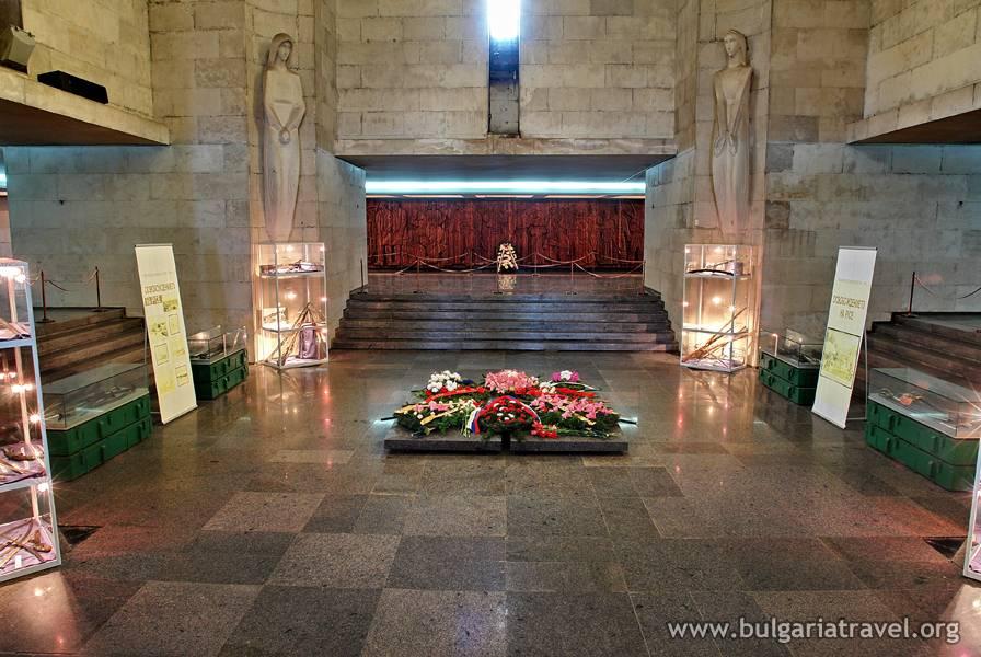 Пантеон на възрожденците – град Русе – Туристически портал на България