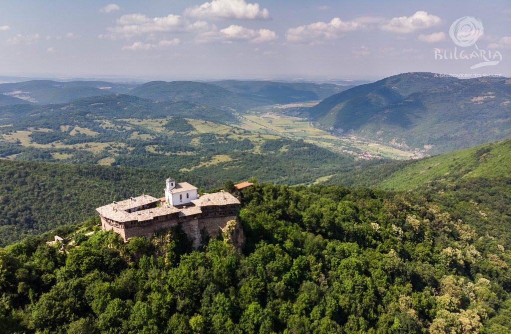 Гложенски манастир Св. Георги Победоносец – с. Гложене